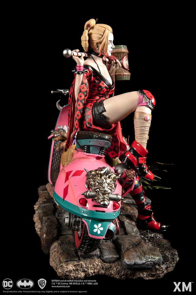Premium collectibles : Harley Quinn** 03rlkj8