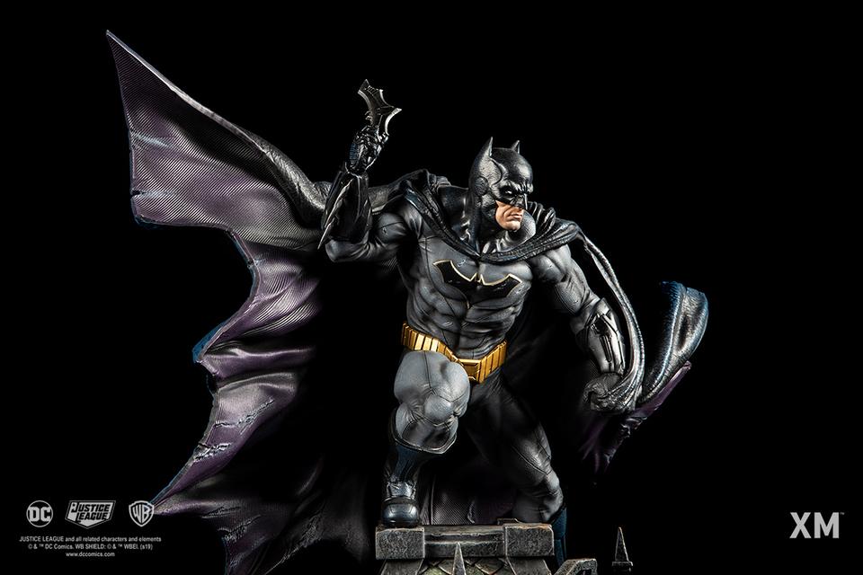 Premium Collectibles : JLA Batman 1/6**   05mijz9