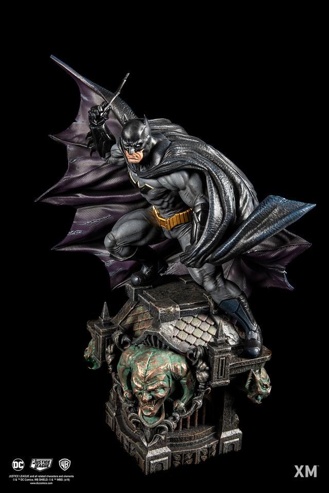 Premium Collectibles : JLA Batman 1/6**   06dljsc