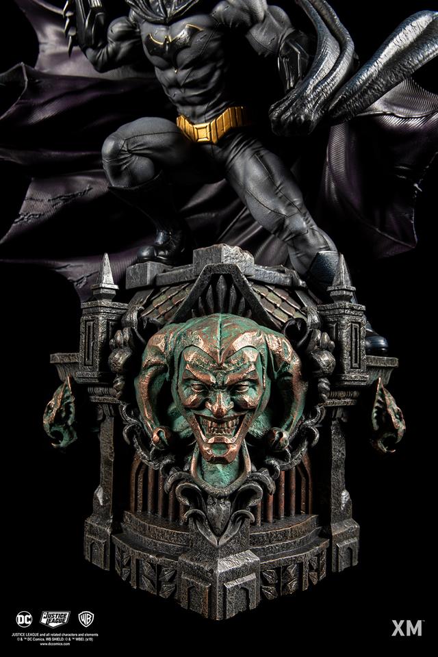 Premium Collectibles : JLA Batman 1/6**   091wkj5