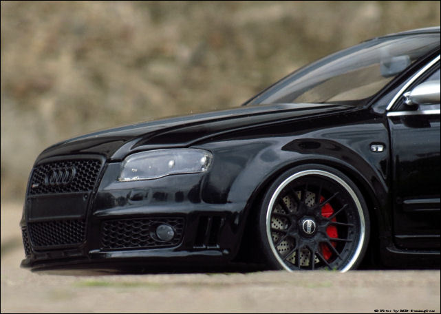 1 18 tuning audi rs4 v8 limosine schwarz mit bbs alu. Black Bedroom Furniture Sets. Home Design Ideas
