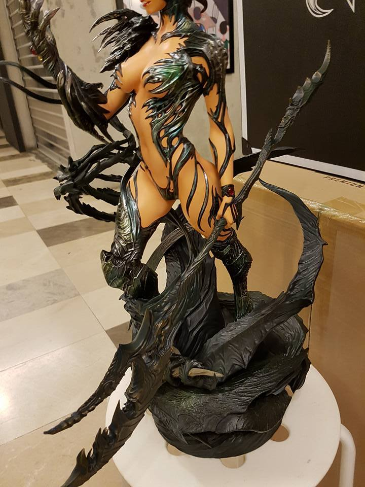 Premium Collectibles : Witchblade - Page 4 101kjzy