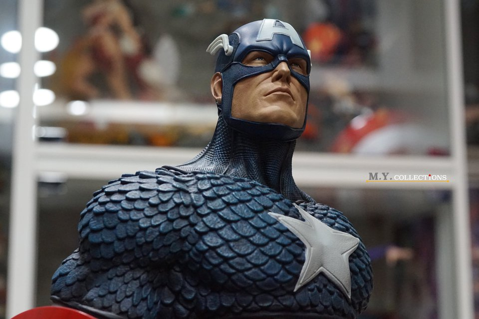 Premium Collectibles : Captain America 1/3 103826581_40097467157o4kjq