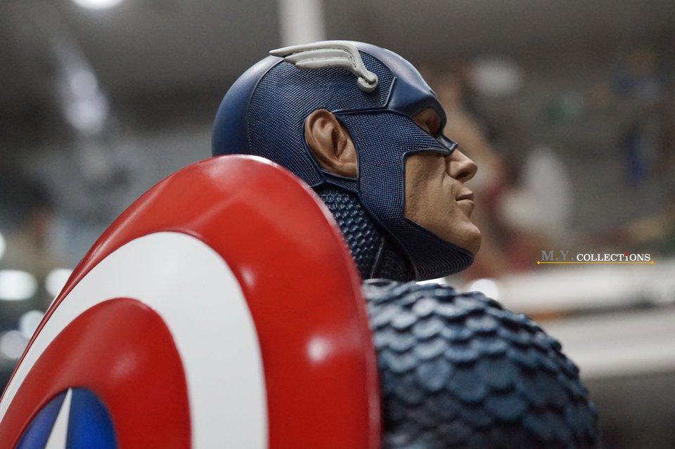 Premium Collectibles : Captain America 1/3 104751642_40097475724b8jnw