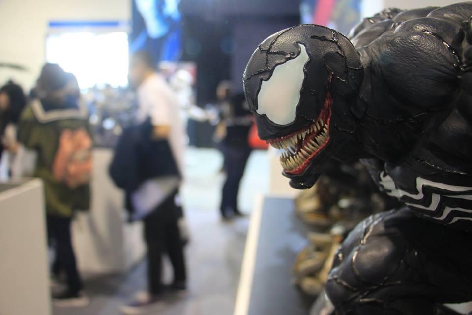 Premium Collectibles : Venom - Comics Version - Page 4 10lmjv2