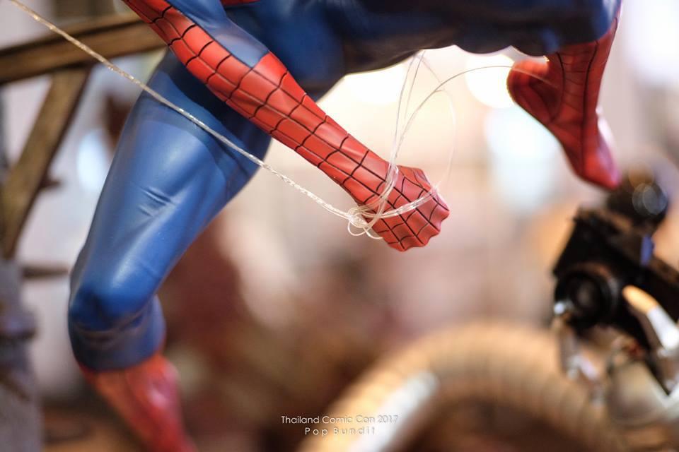 Premium Collectibles : Spiderman** 10ueumc