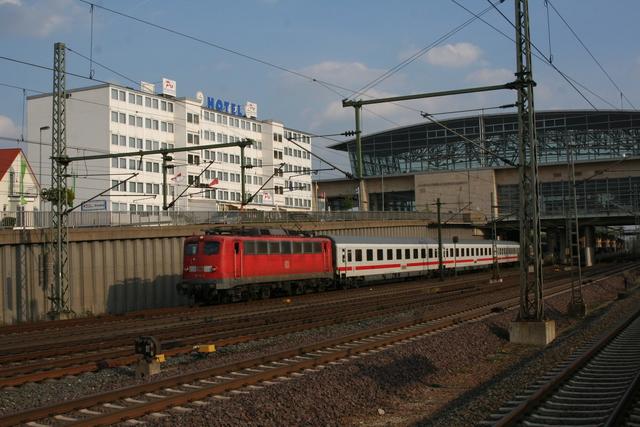 110 115-3 bei der Ausfahrt Hannover MesseLaatzen