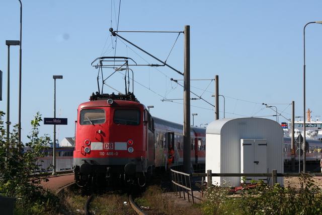 110 466-0 Ausfahrt Norddeich Mole