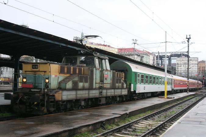 111 011-3 Praha Hlavní Nádraži