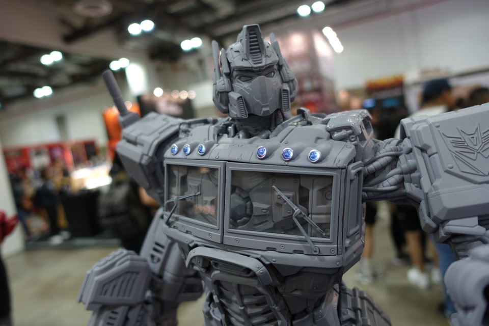 Premium Collectibles : Transformers - Nemesis Prime (G1) 1118jvu