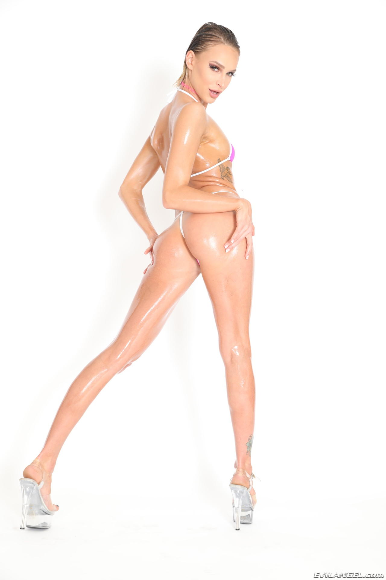 girl Bikini com