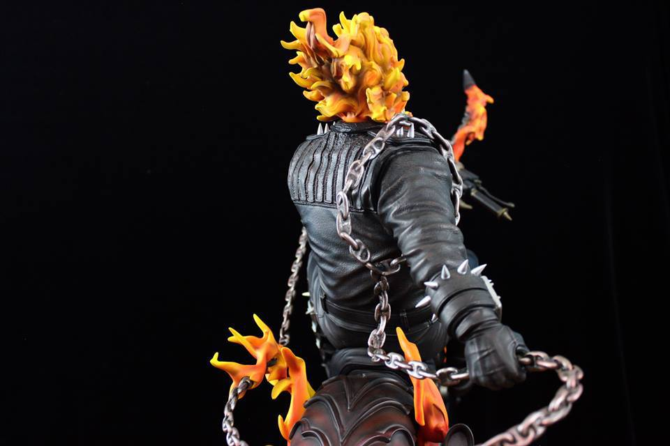 Premium Collectibles : Ghost Rider - Page 6 1151j7x