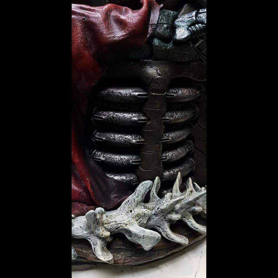Premium Collectibles : Predator on Throne 116055924_26317179237wfj5z