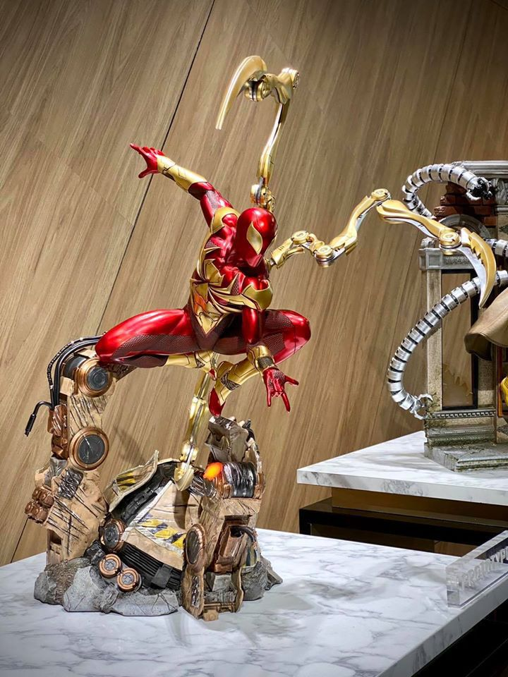 Premium Collectibles : Iron-spiderman** 116834549_26745781527whkrv
