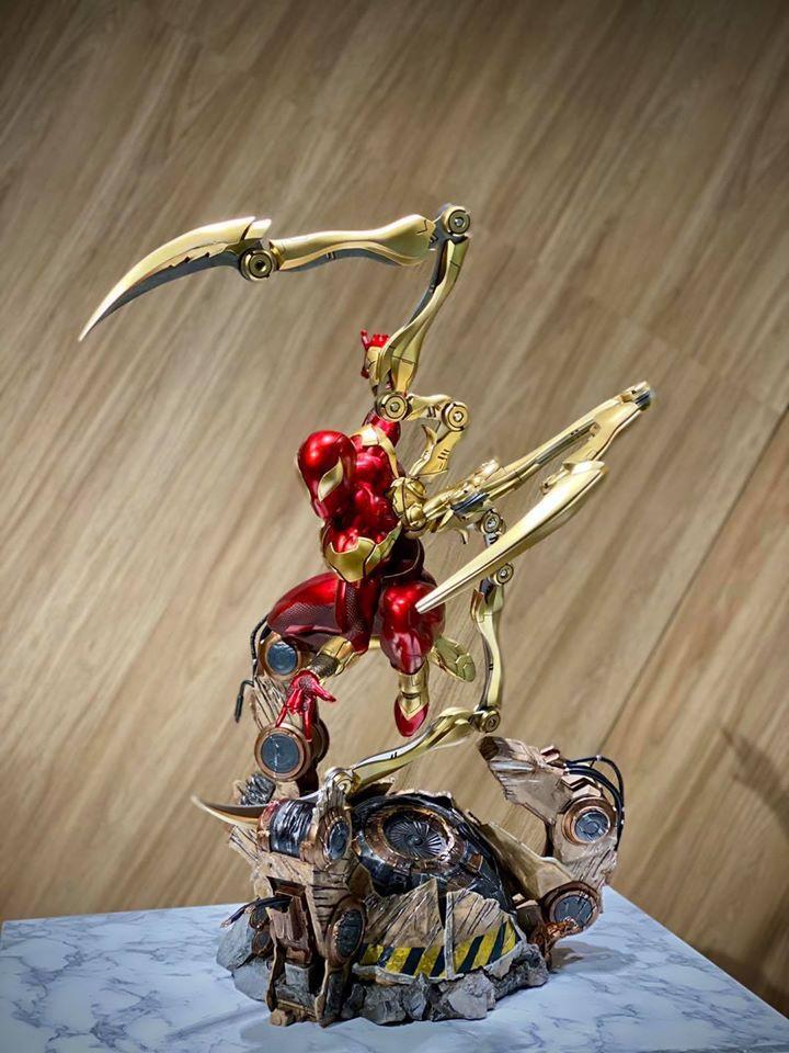 Premium Collectibles : Iron-spiderman** 117168067_26745781060mukj2
