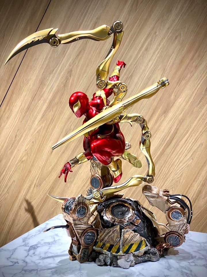 Premium Collectibles : Iron-spiderman** 117224308_267457817270xk4f