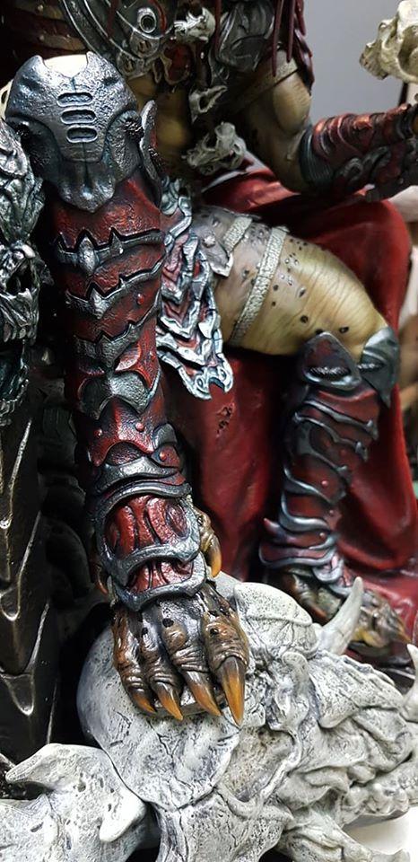 Premium Collectibles : Predator on Throne 118136023_26491755852fskok