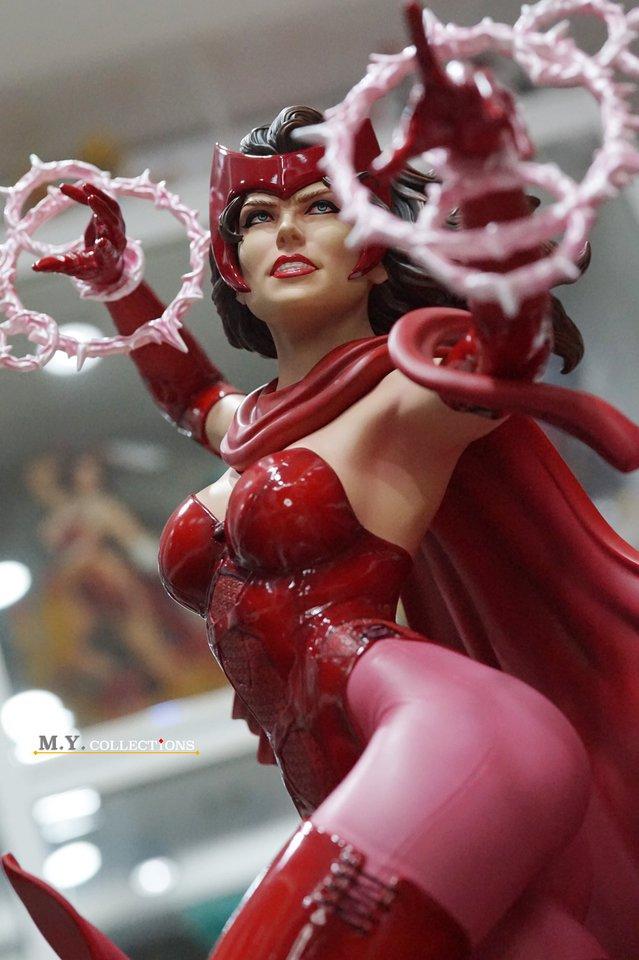 Premium Collectibles : Scarlet Witch** 118851326_44313469336z2k75