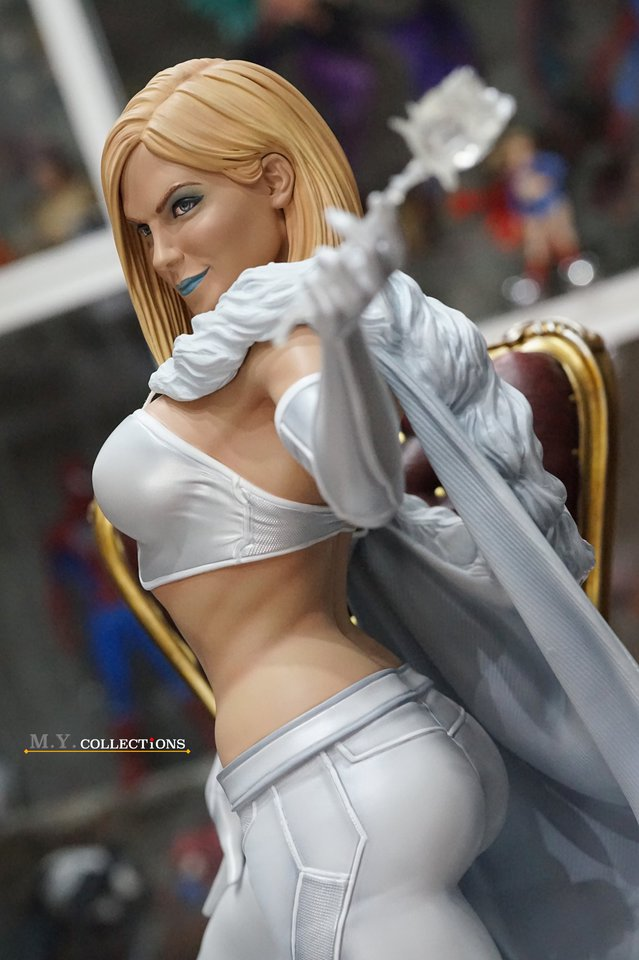 Premium Collectibles : Emma Frost 119054422_44361507131jlkjc