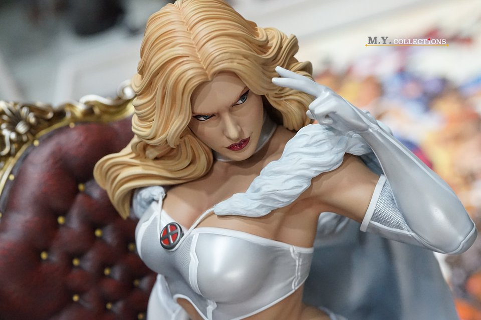 Premium Collectibles : Emma Frost 119075524_44361483831k3kyh