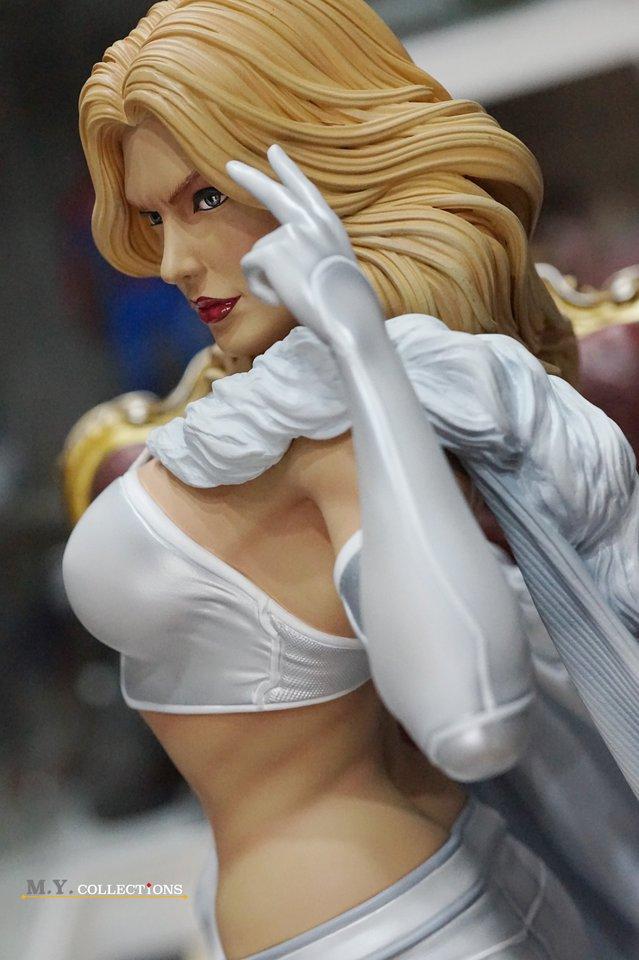 Premium Collectibles : Emma Frost 119123505_44361491731lrkox