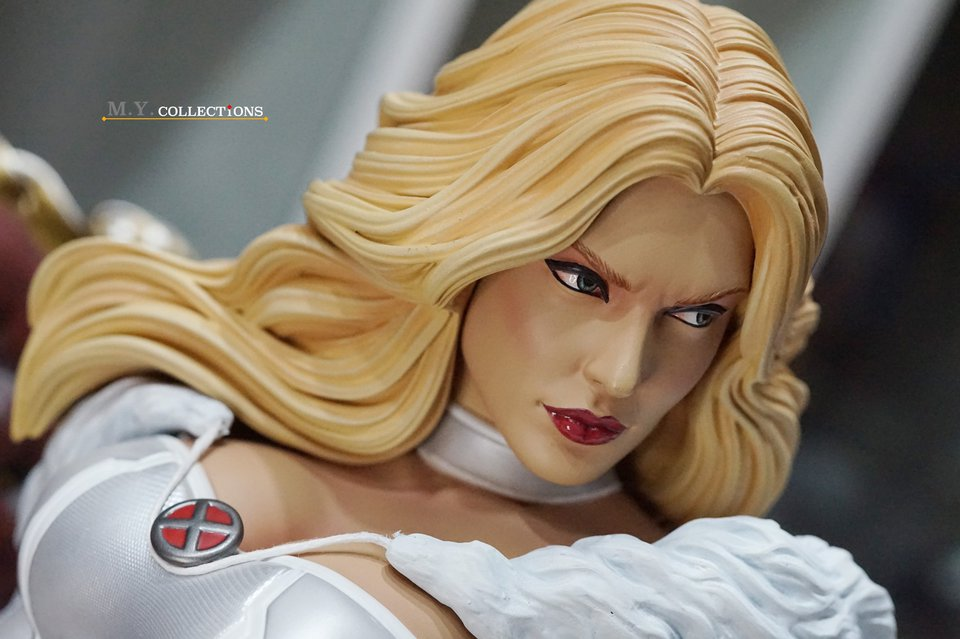 Premium Collectibles : Emma Frost 119164653_44361500664x0jed