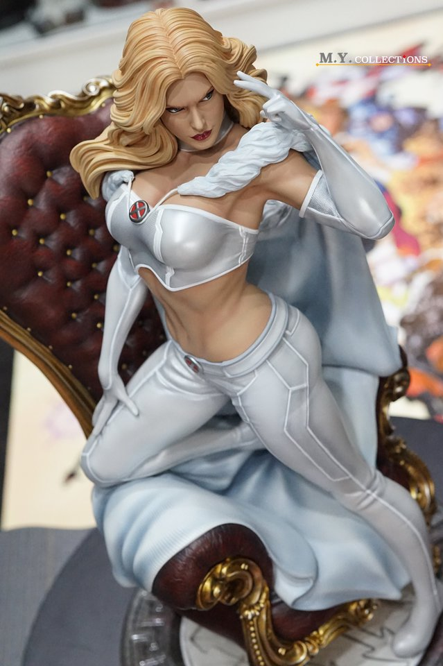Premium Collectibles : Emma Frost 119197931_44361483931tskeq