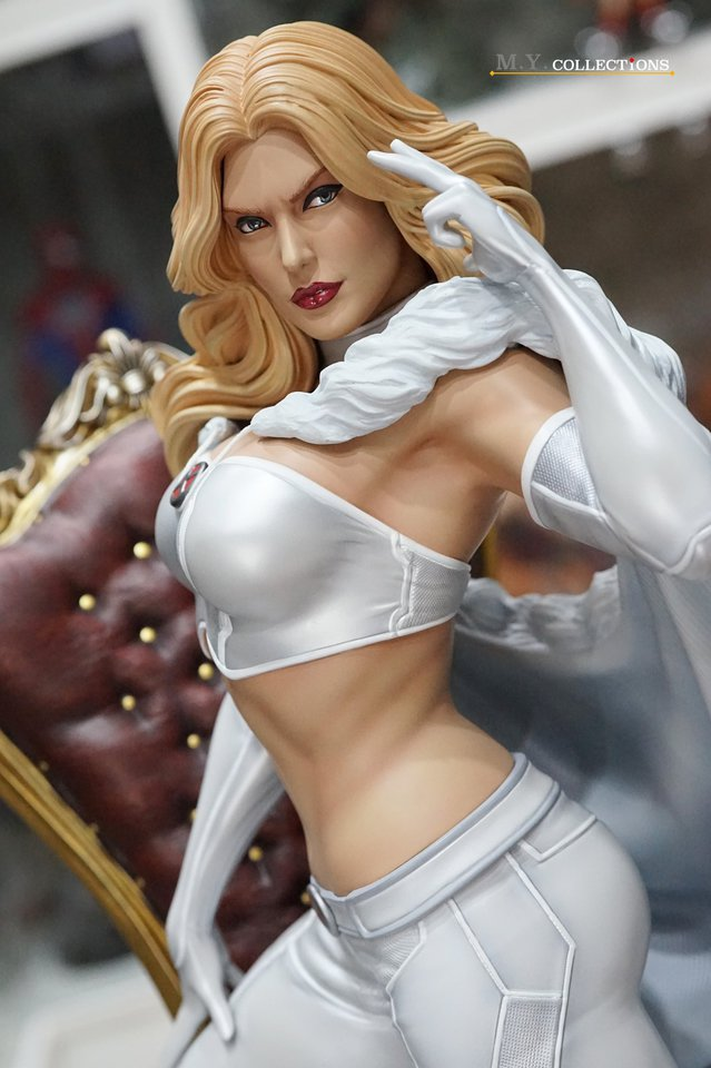 Premium Collectibles : Emma Frost 119240340_44361487797tsjb3