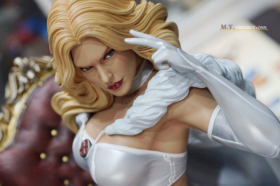 Premium Collectibles : Emma Frost 119254566_44361487897eck5t