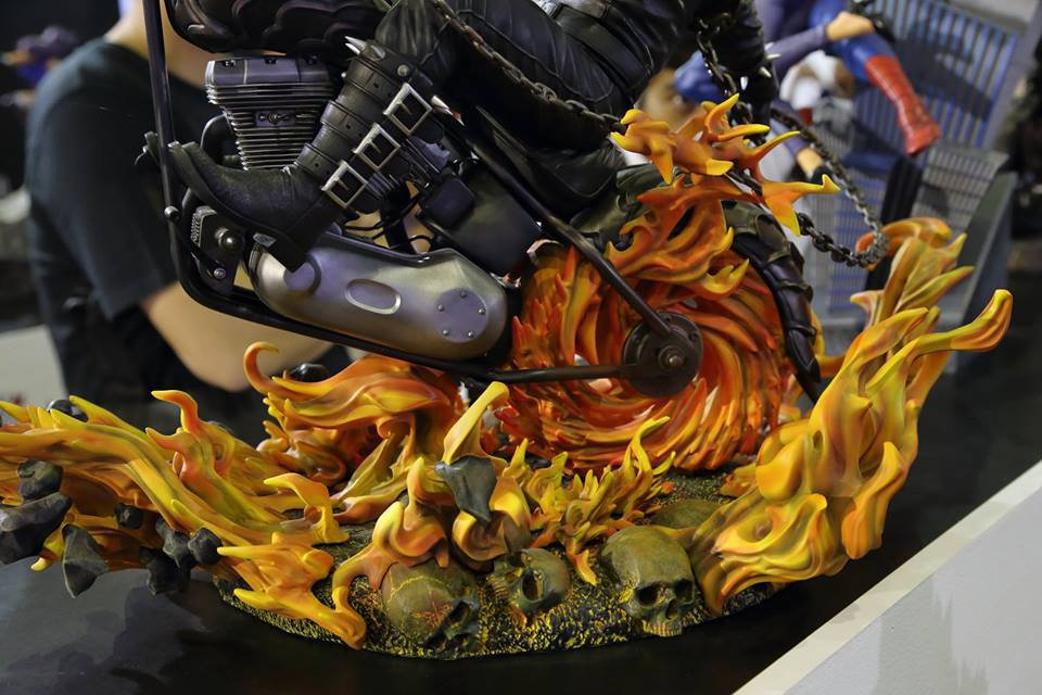 Premium Collectibles : Ghost Rider - Page 4 11flym3