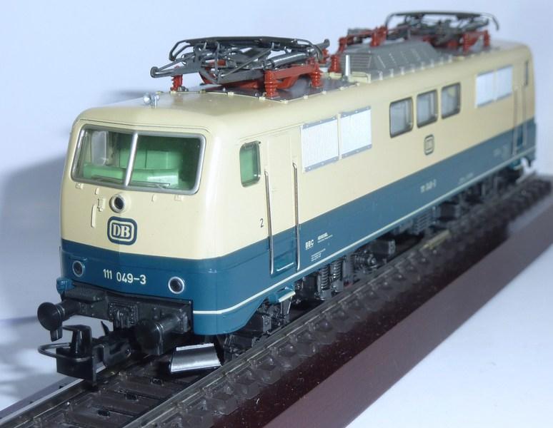 Märklin 3642 111 049-3 mit neuem Fahrwerk ausgestattet 11i0jk9
