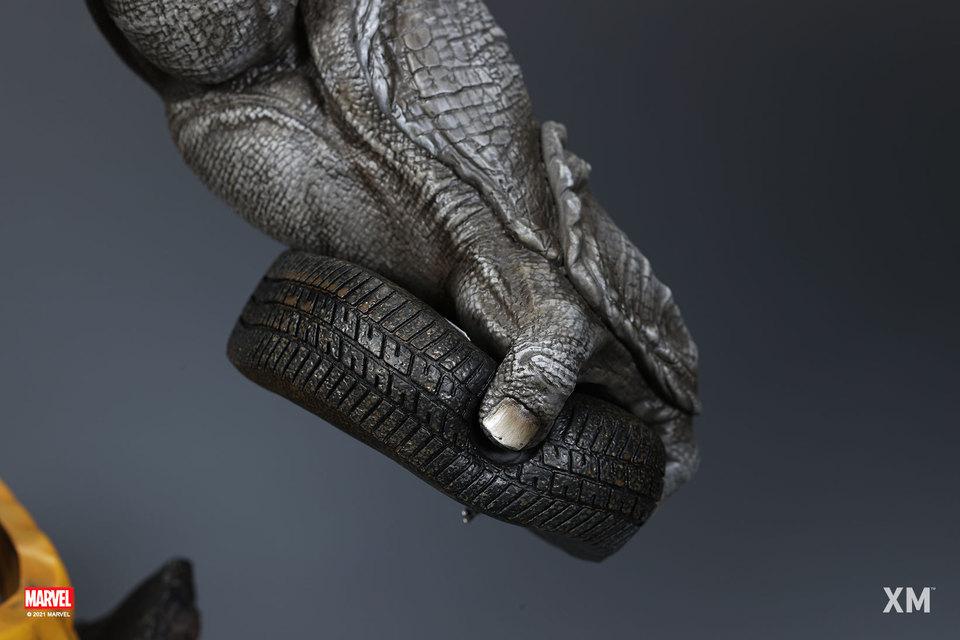Premium Collectibles : Rhino** 11zakg0