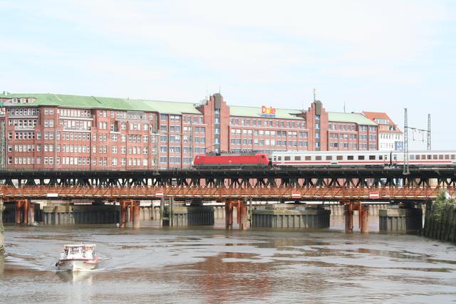 120 110-2 Hamburg Oberhafen-Brücke