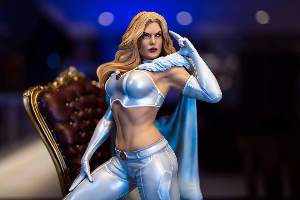 Premium Collectibles : Emma Frost 120126177_1015719760755k2d