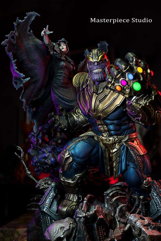 Premium Collectibles : Thanos and Lady Death 121262783_13352151514o0j19