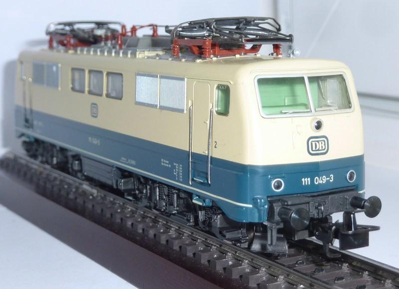 Märklin 3642 111 049-3 mit neuem Fahrwerk ausgestattet 126mk65