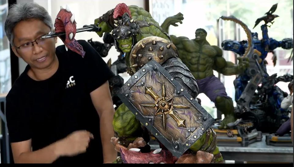 Premium Collectibles : Planet Hulk / King Hulk** 129158052_101577506294lke4