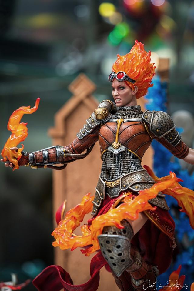Premium Collectibles : MTG - Chandra Nalaar 1/4 Statue 129849600_10159088309tejin
