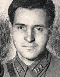 Konstantin M. Simonow 12_4emk5j