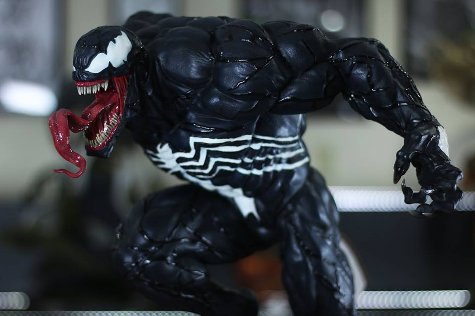 Premium Collectibles : Venom - Comics Version - Page 5 12d8u7x