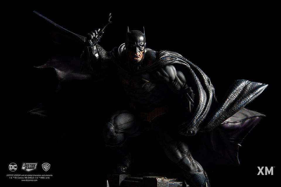 Premium Collectibles : JLA Batman 1/6**   13fdkdz