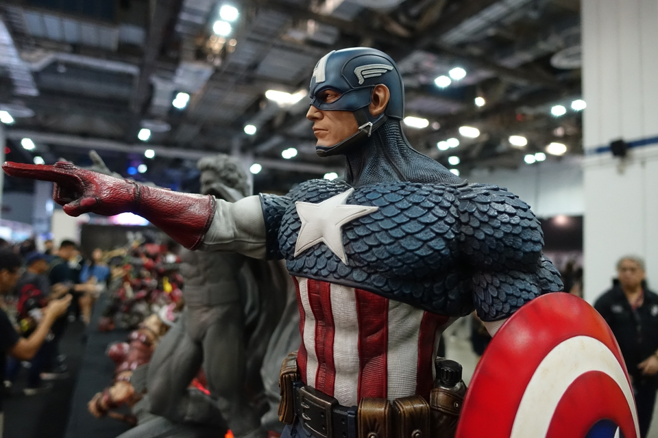 Premium Collectibles : Captain America 1/3 13fyjyr