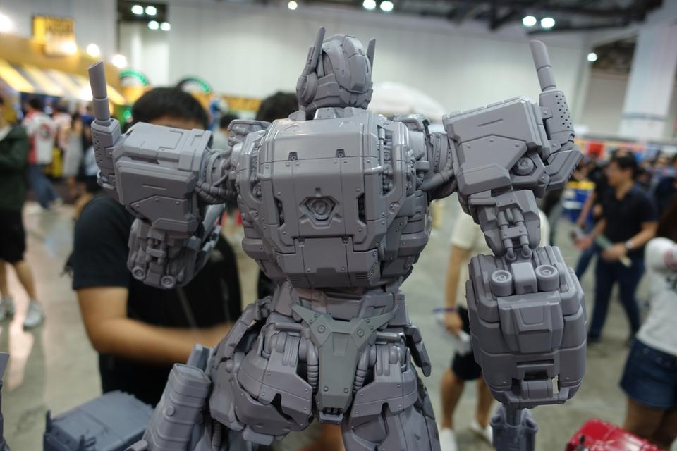 Premium Collectibles : Transformers - Nemesis Prime (G1) 13gmjou