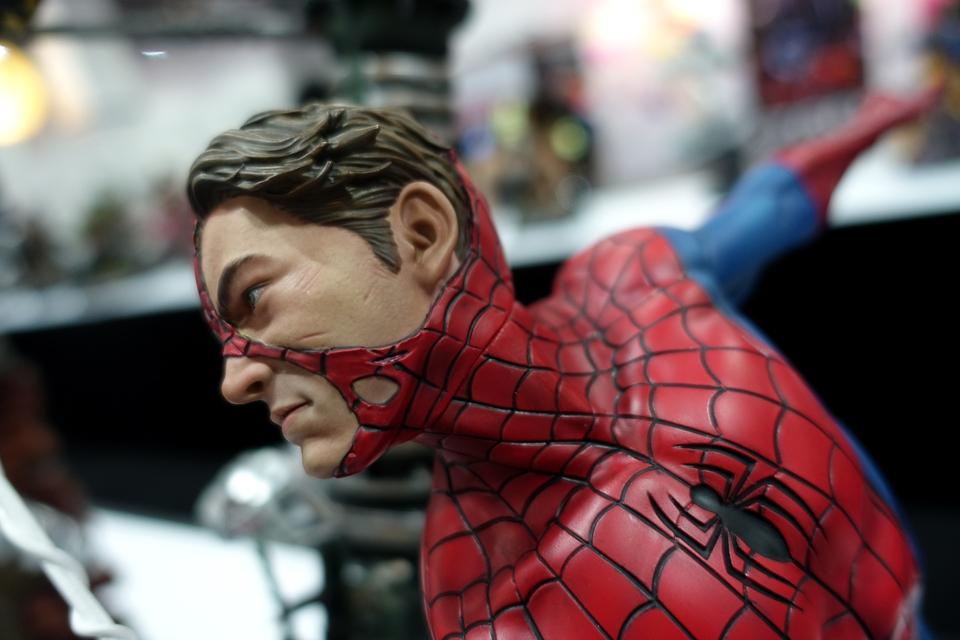 Premium Collectibles : Spiderman** 13r8i05