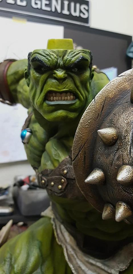 Premium Collectibles : Planet Hulk / King Hulk** 141020531_27838451318h5k1l