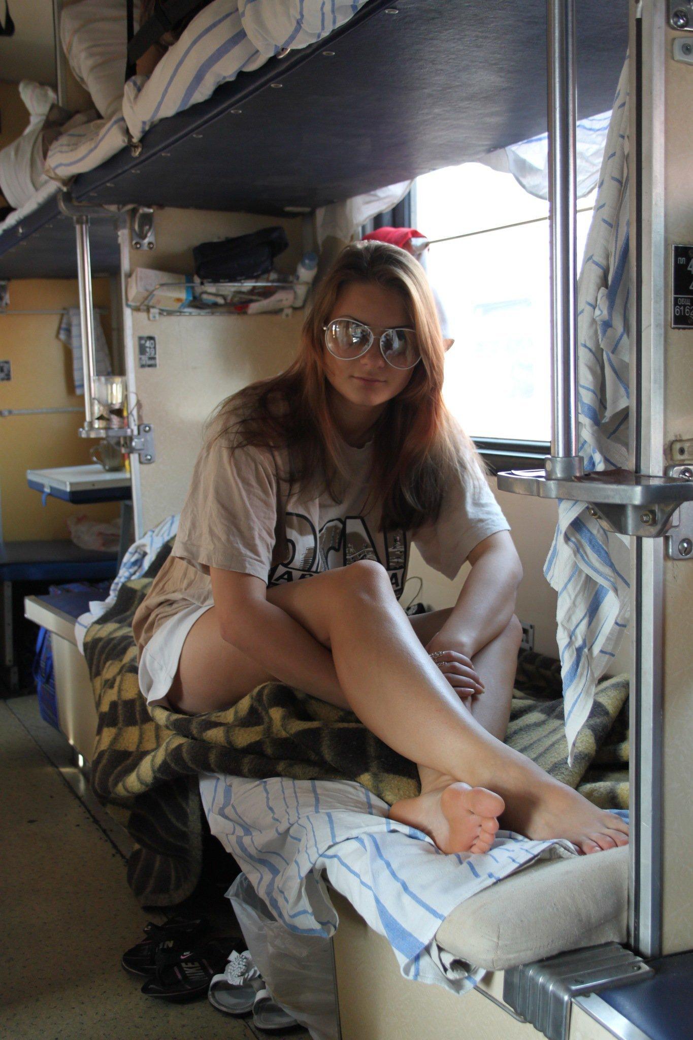 секс в поезде с девушкой фото