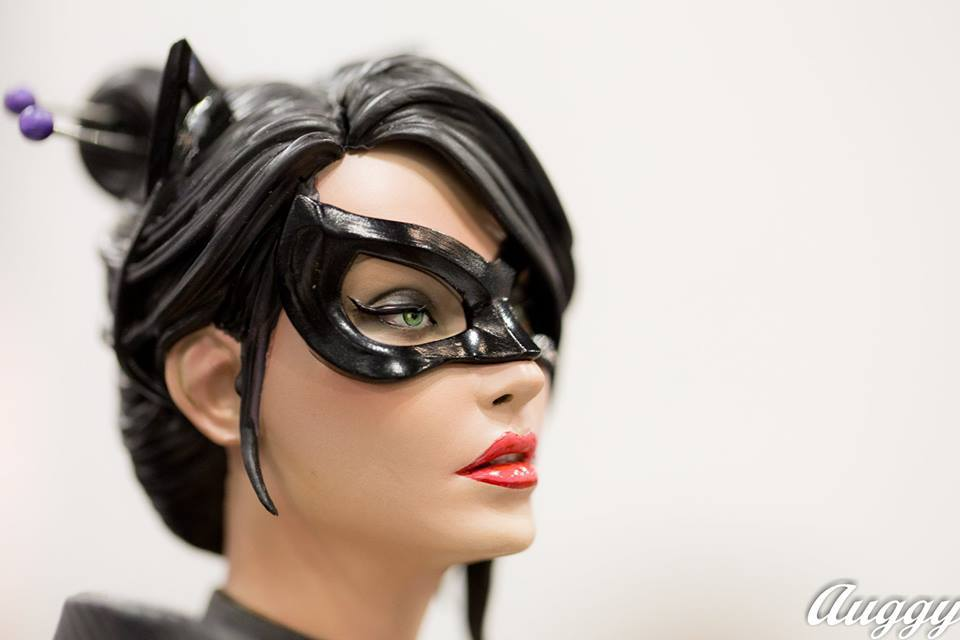 Premium Collectibles : Catwoman - Page 2 14322407_124326290570hpyrd