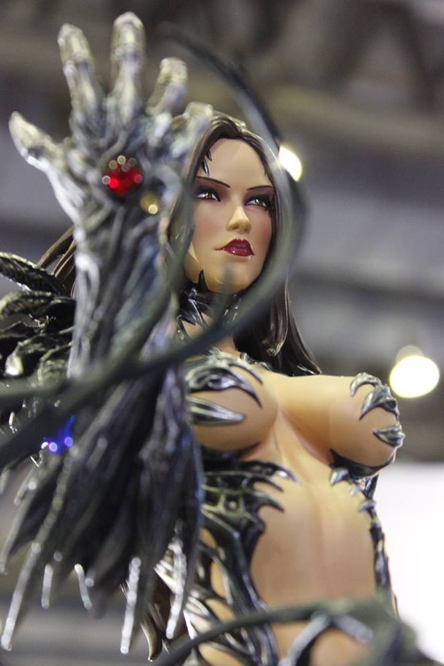 Premium Collectibles : Witchblade - Page 3 14517359_1015425983486zl2d