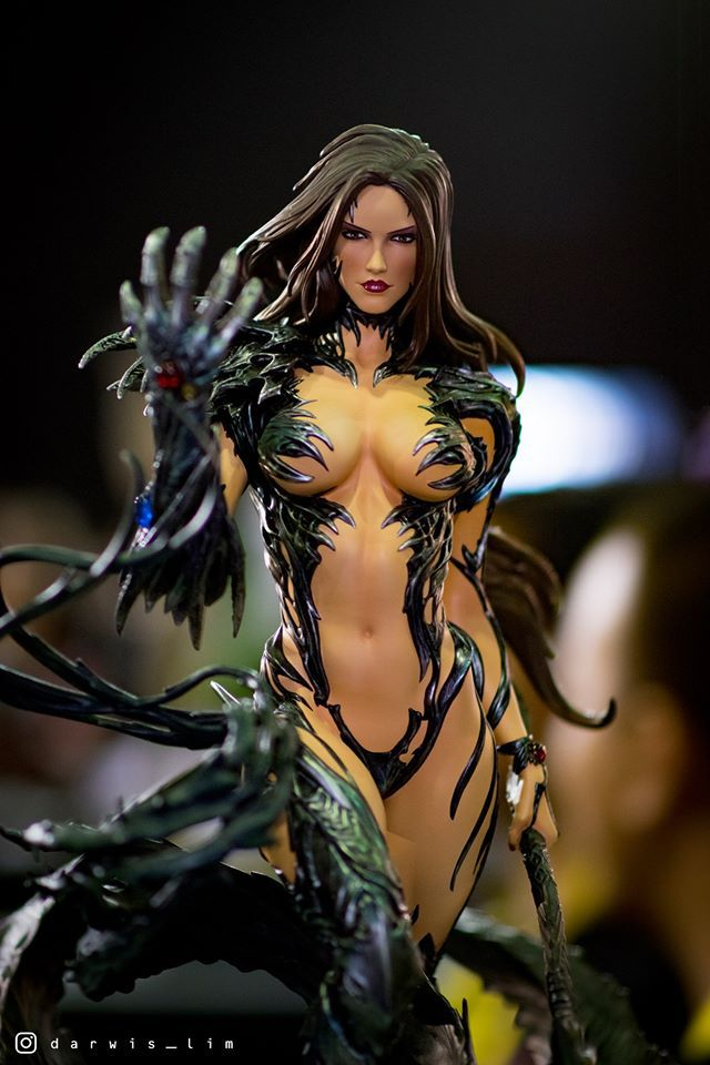 Premium Collectibles : Witchblade - Page 4 14543651_114755549533owo5w