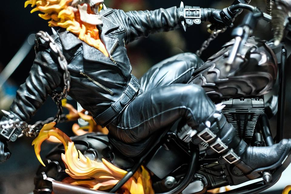 Premium Collectibles : Ghost Rider - Page 6 145ispw